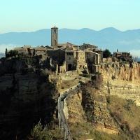 Civita di Bagnoregio <a href=<a href=<a href=